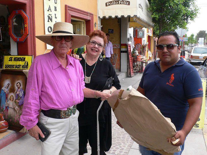 Toller-With-Friends-in-Dolores-Hidalgo-Mexico-sm